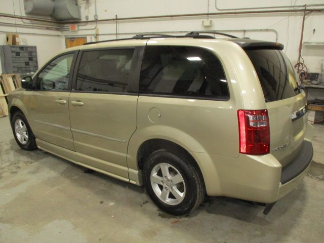Gold Dodge Grand Caravan image number 7