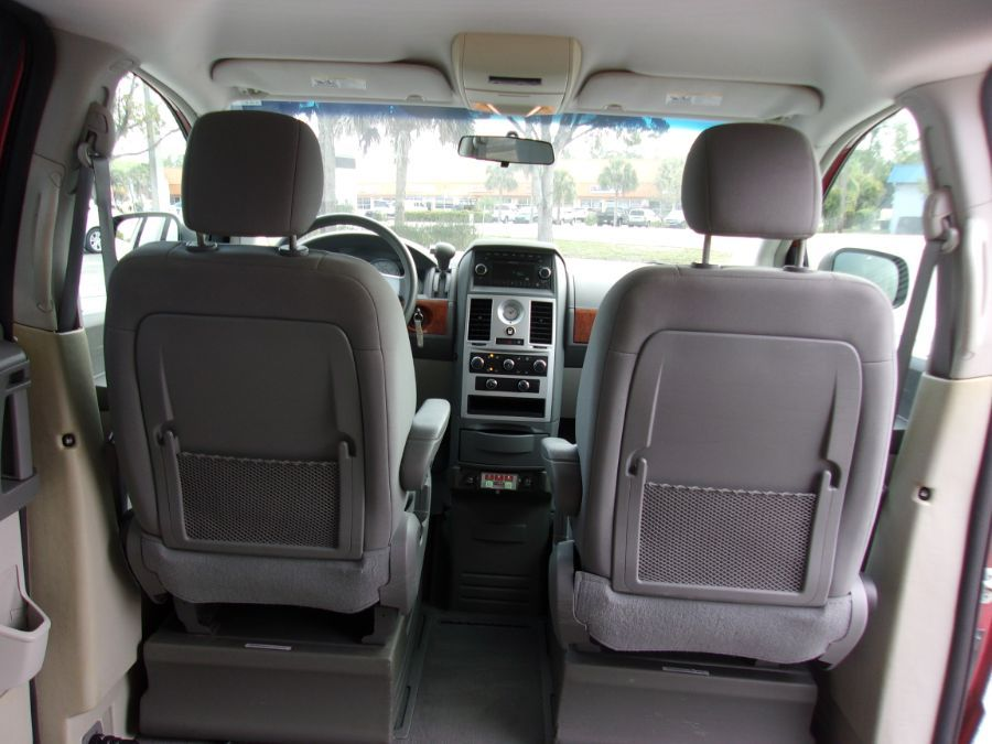 Red Chrysler Town and Country image number 13