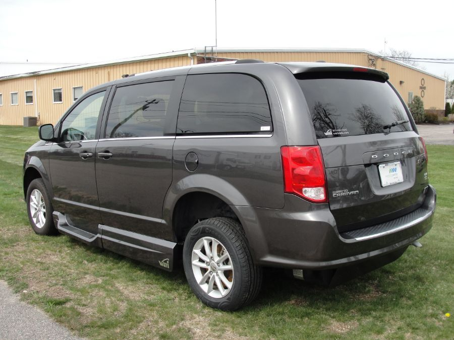 Dodge Grand Caravan image number 7