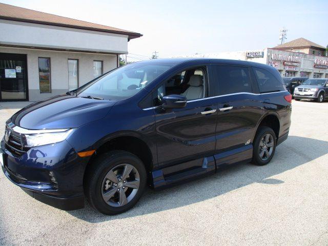 Blue Honda Odyssey image number 2