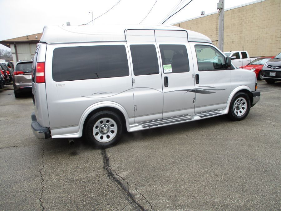 Silver Chevrolet Express Cargo image number 34