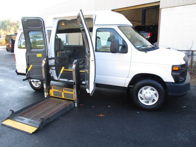 White Ford E-Series Cargo with Side Entry Automatic  ramp