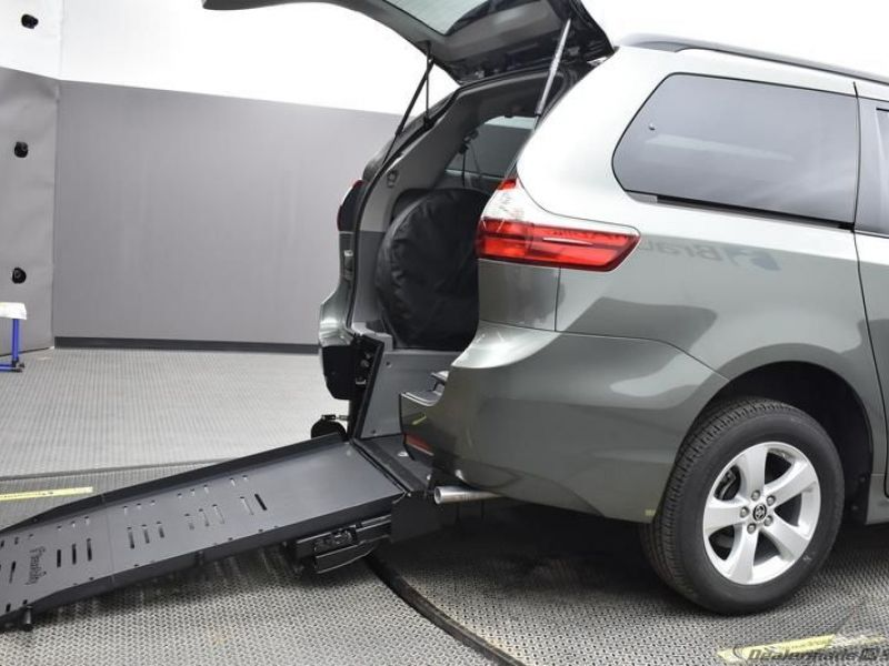 Green Toyota Sienna with Rear Entry Manual Fold Out ramp