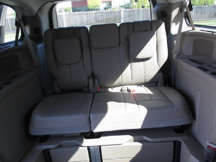 Brown Chrysler Town and Country image number 14