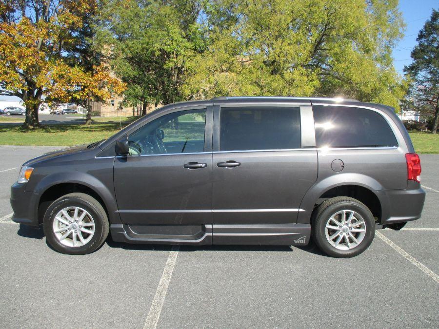 Gray Dodge Grand Caravan image number 2
