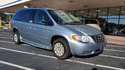 2005 Chrysler Town and Country