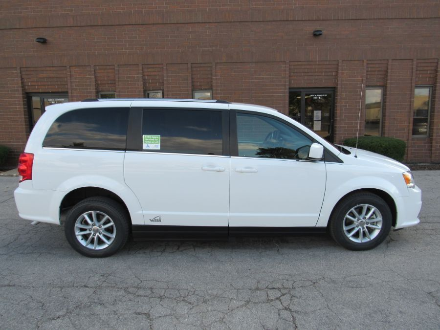 White Dodge Grand Caravan image number 6