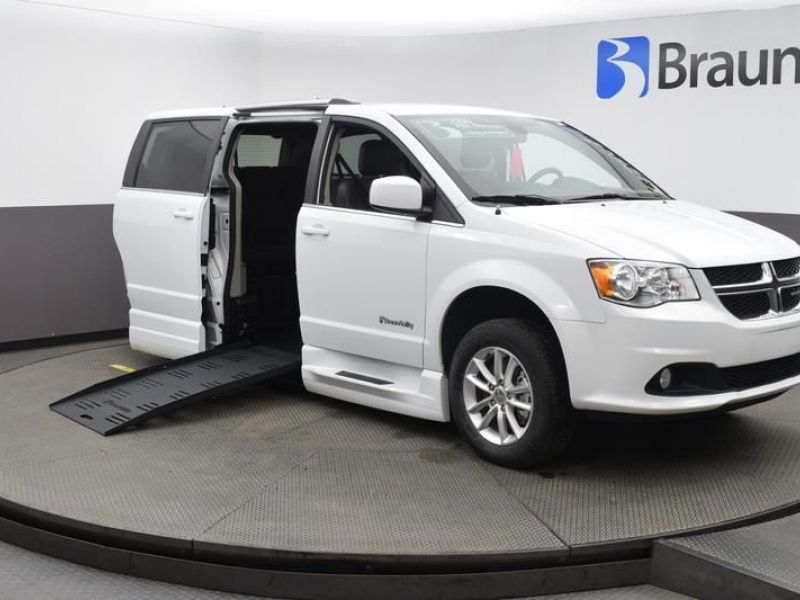 White Dodge Grand Caravan image number 0