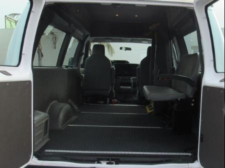 White Ford E-Series Cargo image number 16