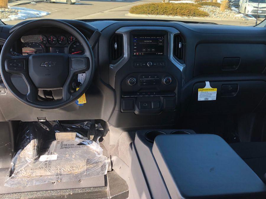 Black Chevrolet Silverado 1500 image number 8