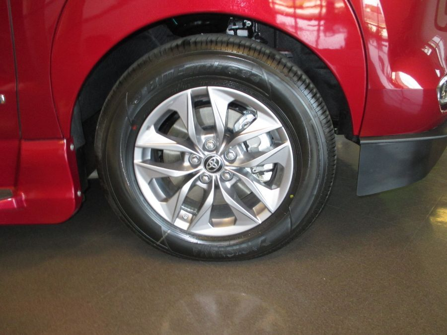 Red Toyota Sienna image number 25