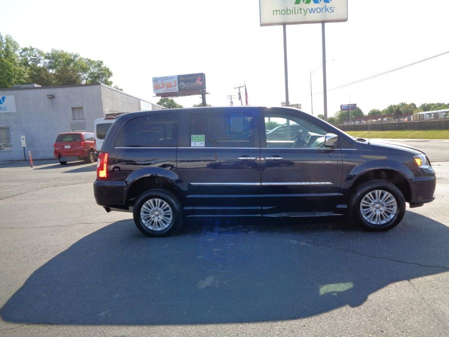 Blue Chrysler Town and Country image number 8