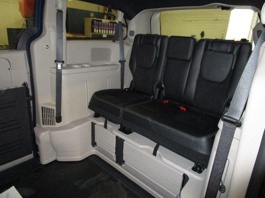 Blue Dodge Grand Caravan image number 14