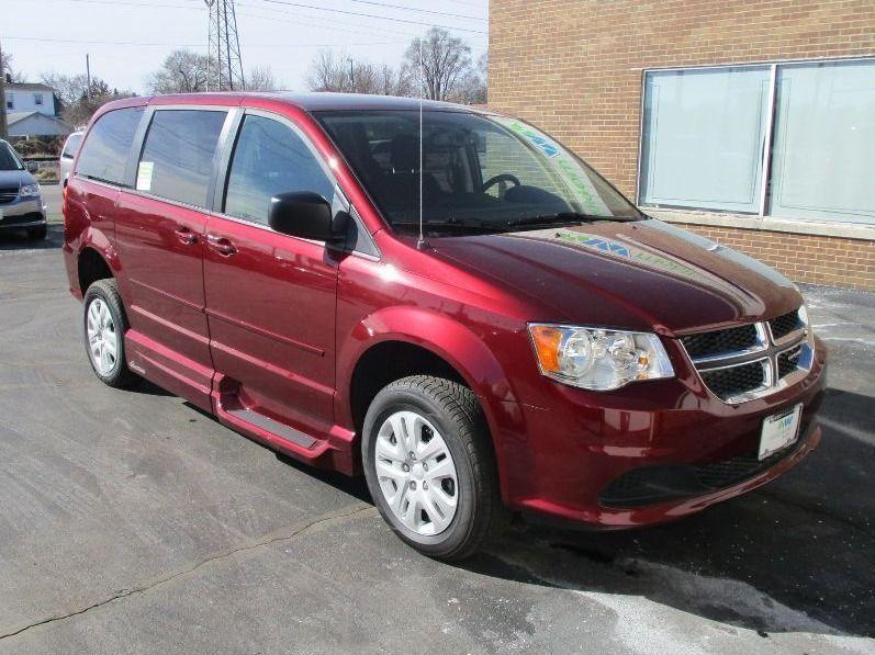 Red Dodge Grand Caravan image number 31