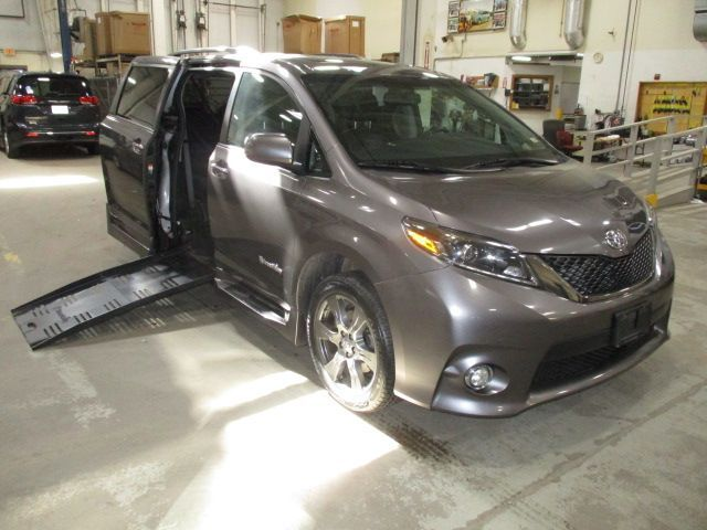 Gray Toyota Sienna with Side Entry Manual Fold Out ramp