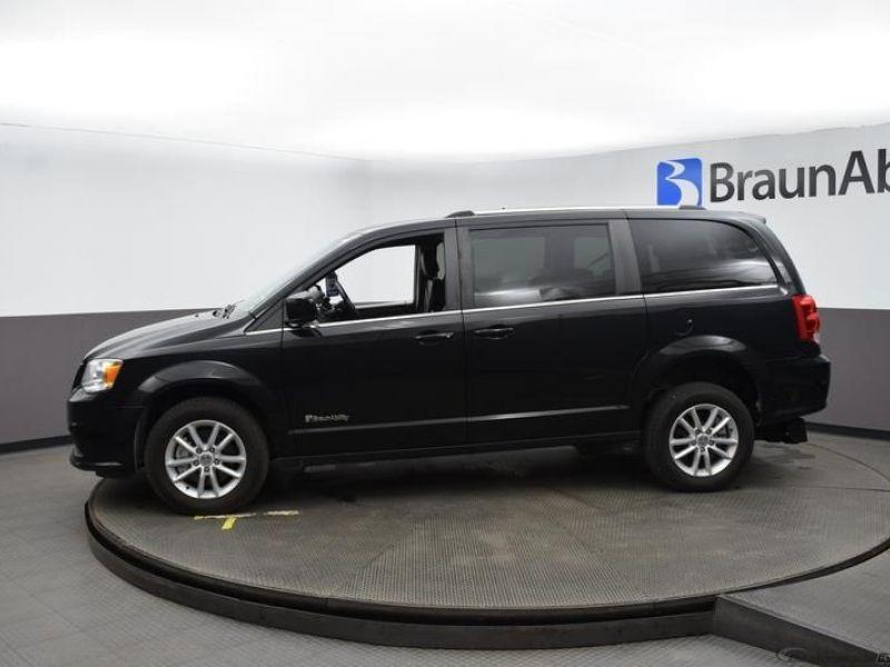 Black Dodge Grand Caravan image number 16