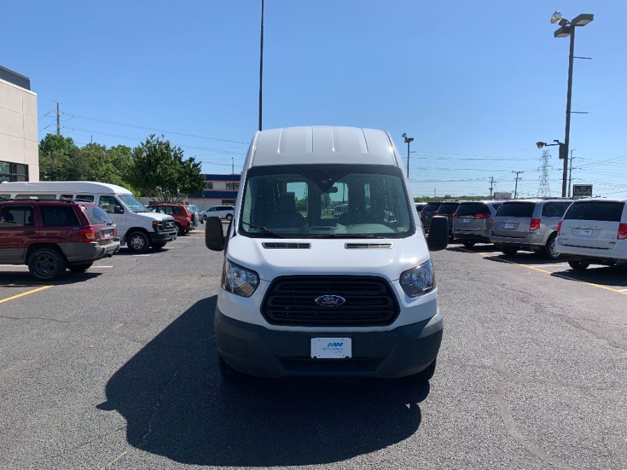 White Ford T350 image number 19
