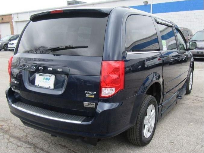 Blue Dodge Grand Caravan image number 5