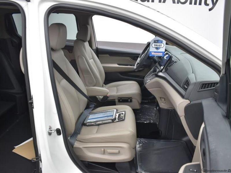 Honda Odyssey image number 9