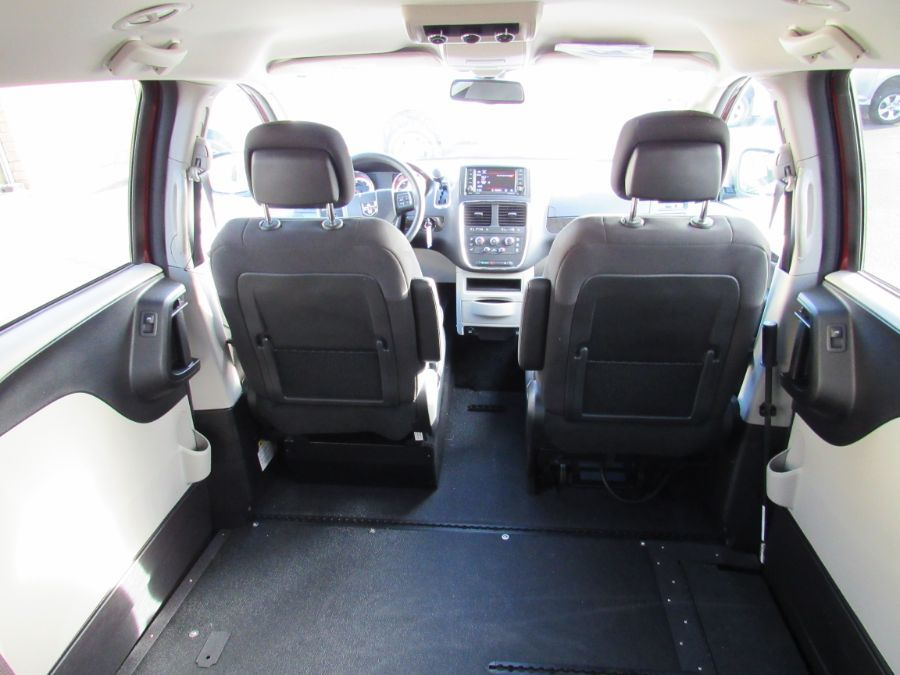 Red Dodge Grand Caravan image number 12