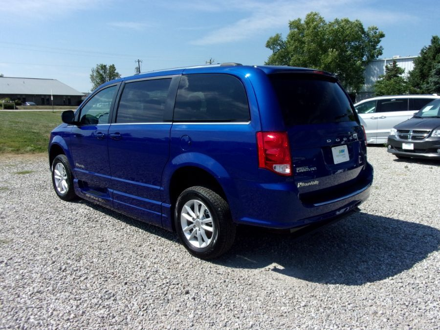 Blue Dodge Grand Caravan image number 5