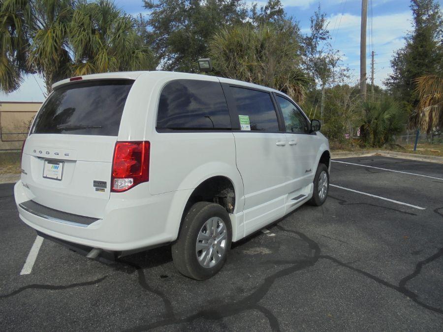 White Dodge Grand Caravan image number 5