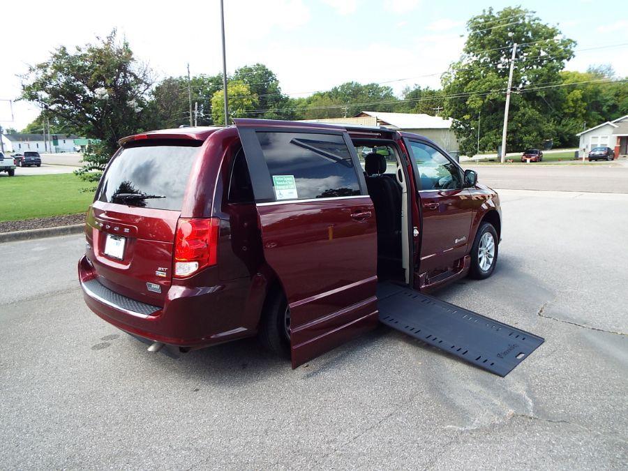 Red Dodge Grand Caravan image number 28