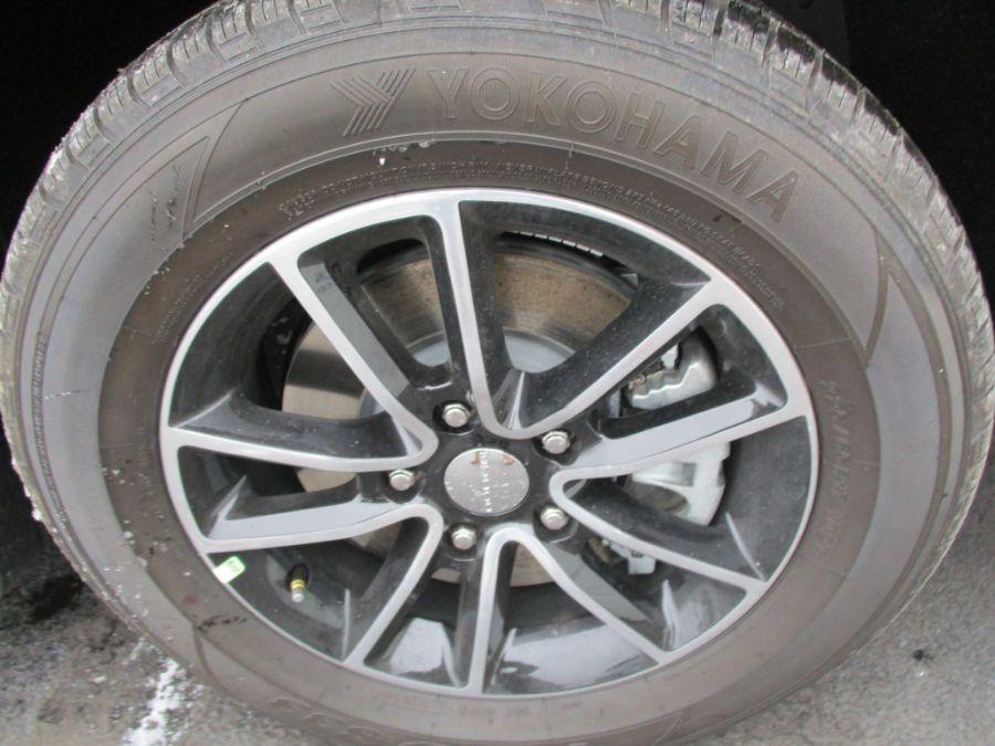 Gray Dodge Grand Caravan image number 26