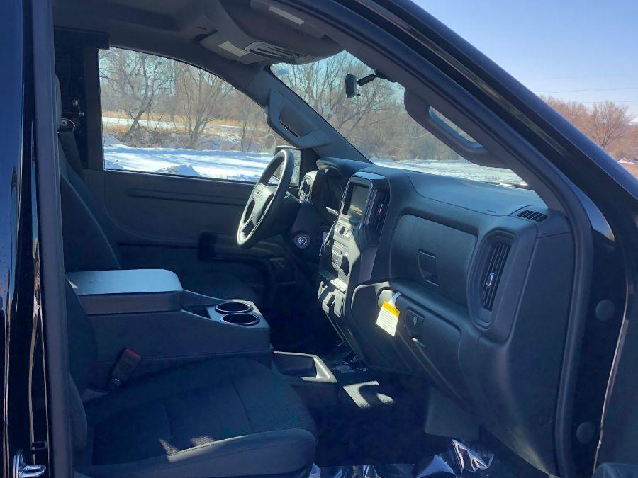 Black Chevrolet Silverado 1500 image number 11