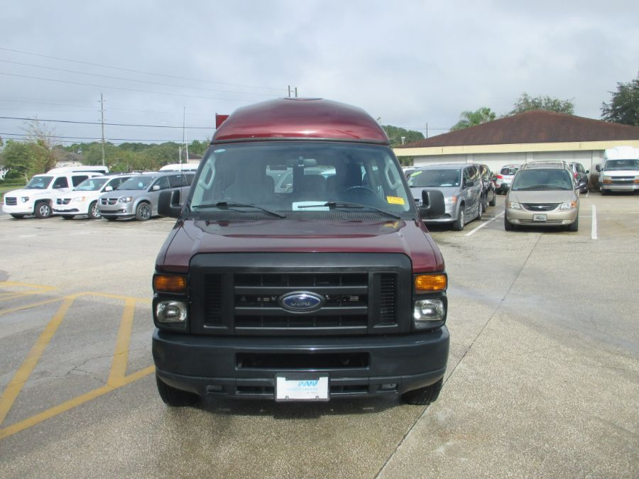 Red Ford E-Series Cargo image number 1