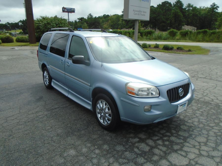 Blue Buick Terraza image number 5