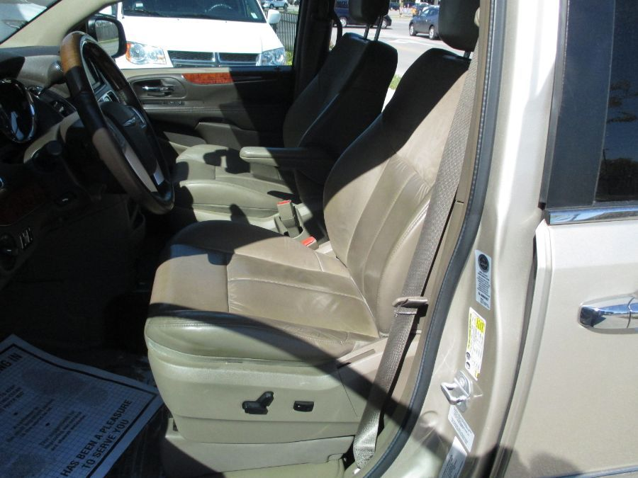Brown Chrysler Town and Country image number 25