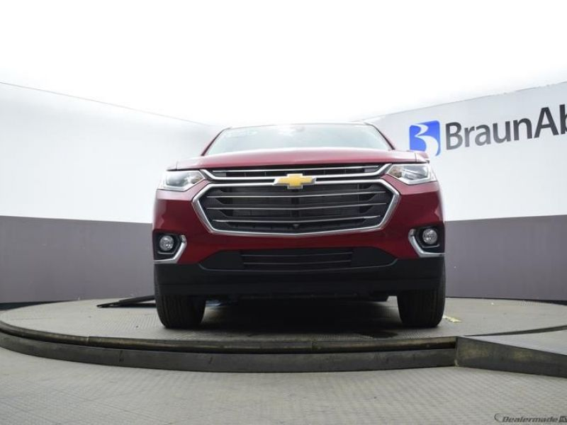 Red Chevrolet Traverse image number 13