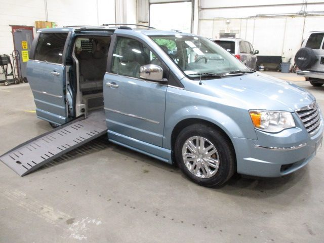 Chrysler Town and Country with Side Entry Automatic Fold Out ramp