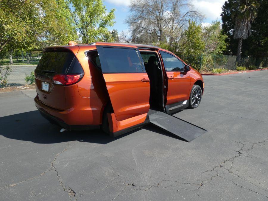 Orange Chrysler Pacifica image number 19