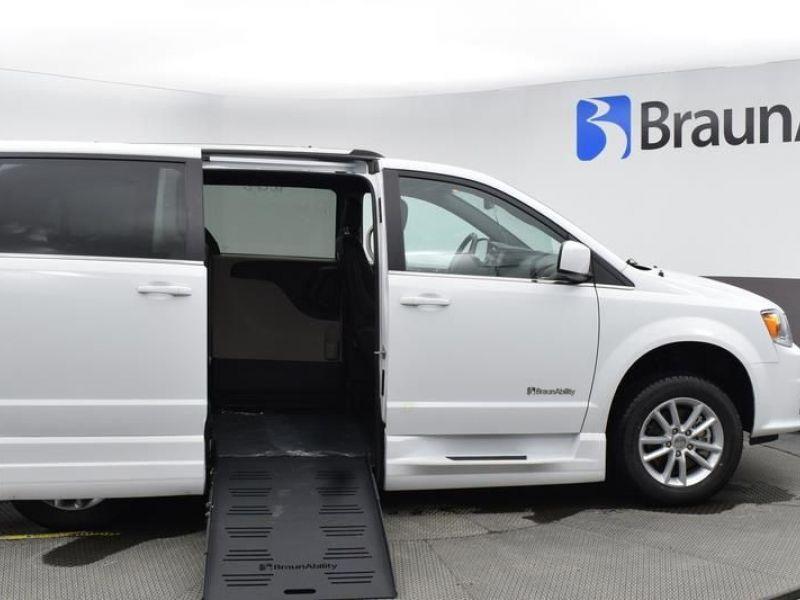 White Dodge Grand Caravan image number 7