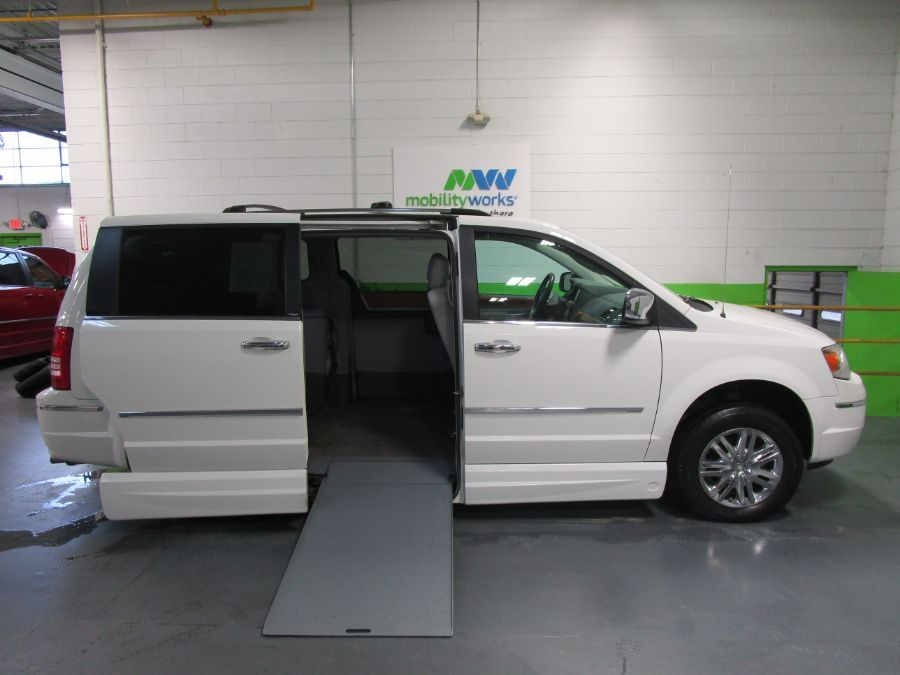White Chrysler Town and Country image number 1