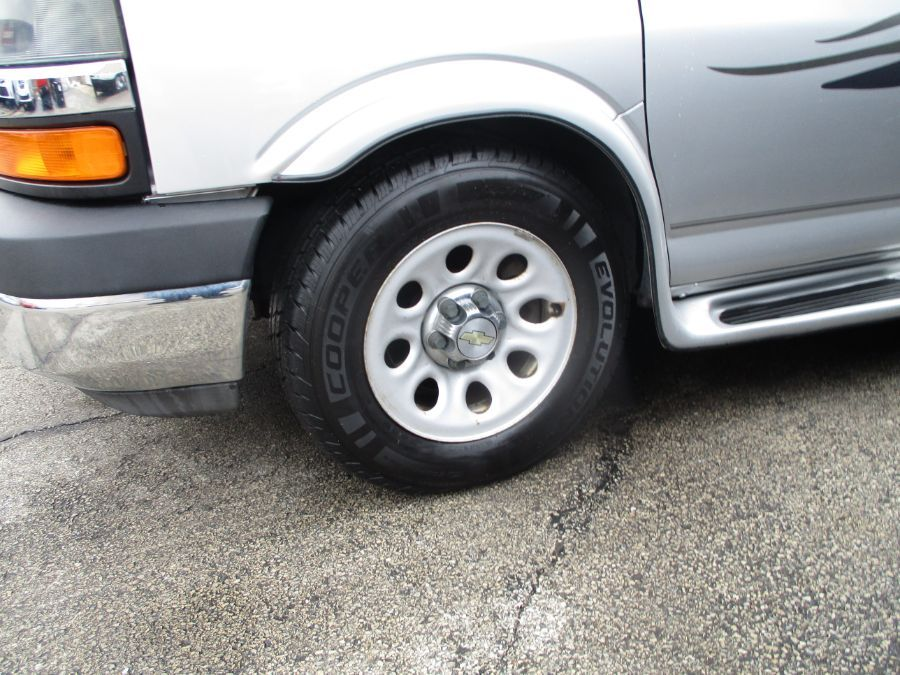 Silver Chevrolet Express Cargo image number 25