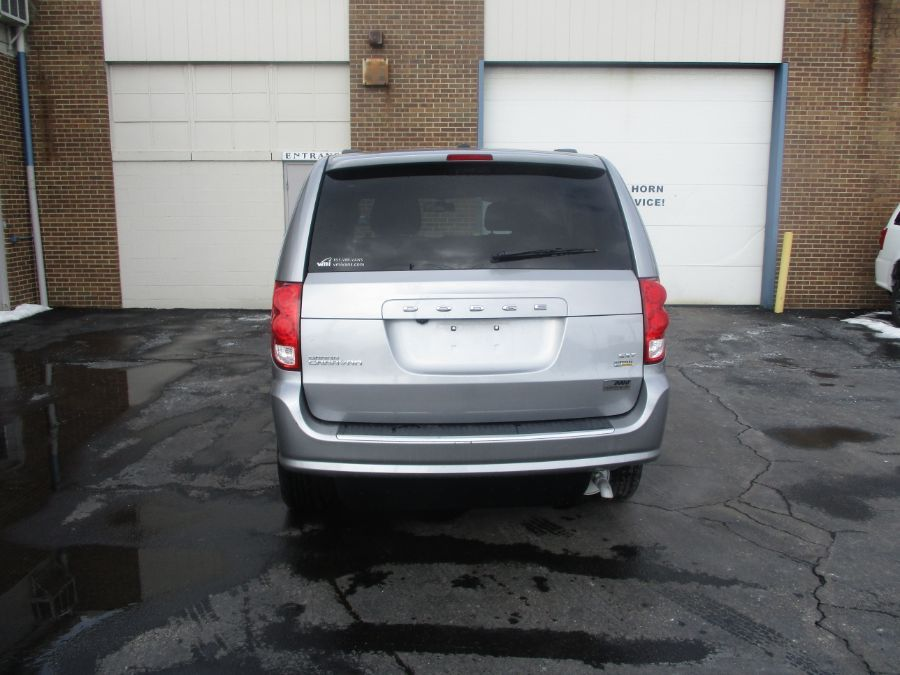 Silver Dodge Grand Caravan image number 5