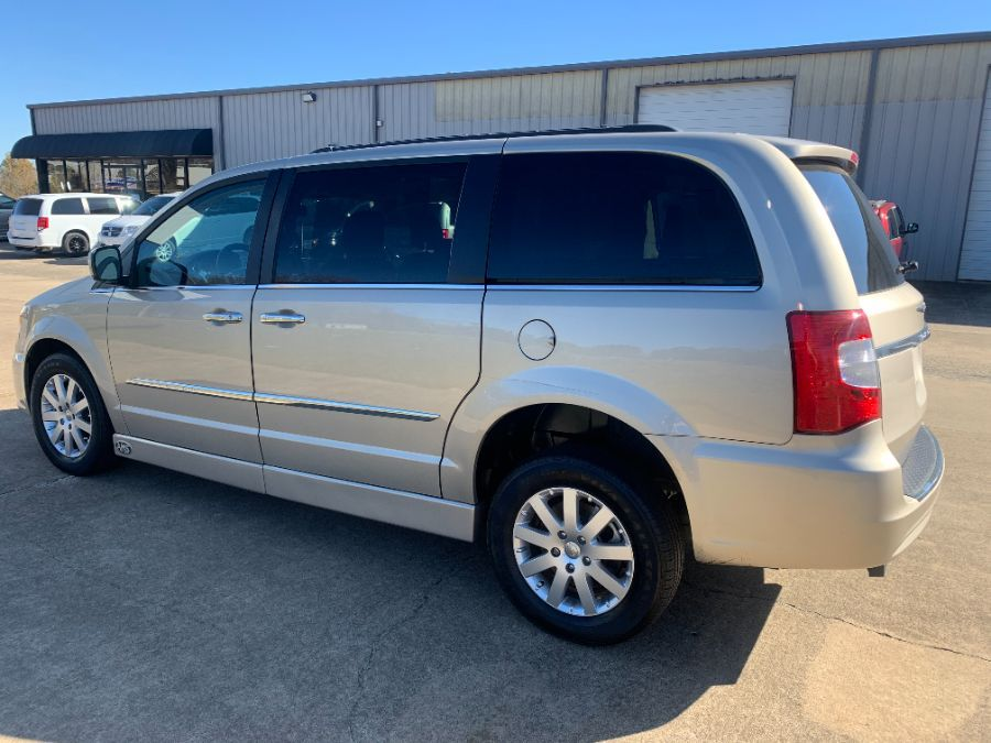 Brown Chrysler Town and Country image number 11
