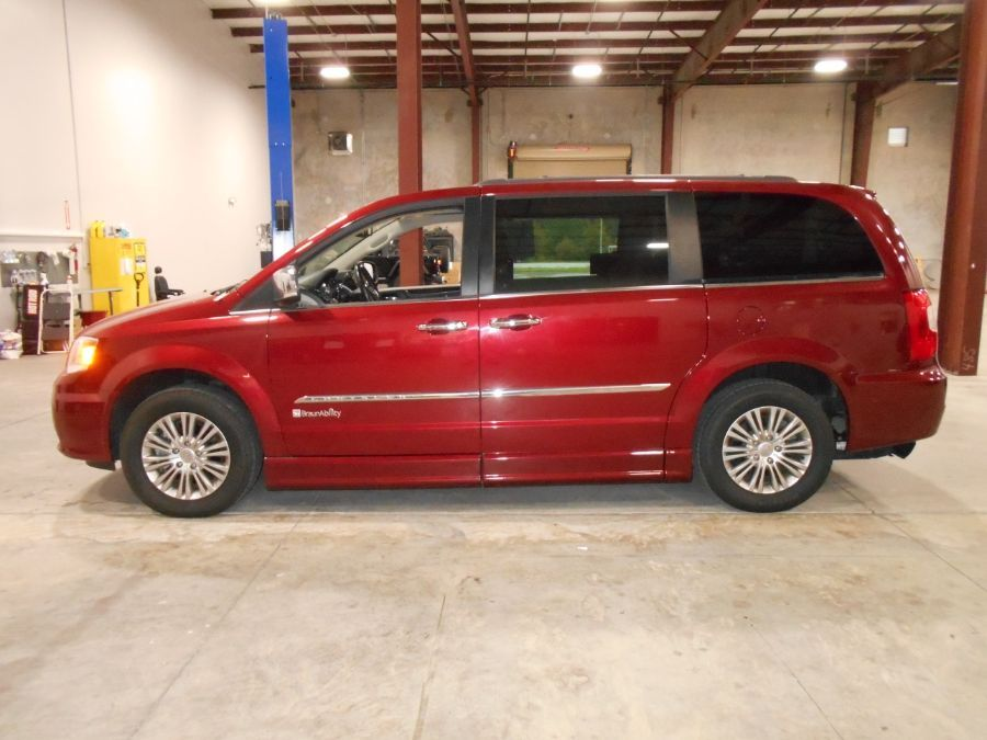 Red Chrysler Town and Country image number 3