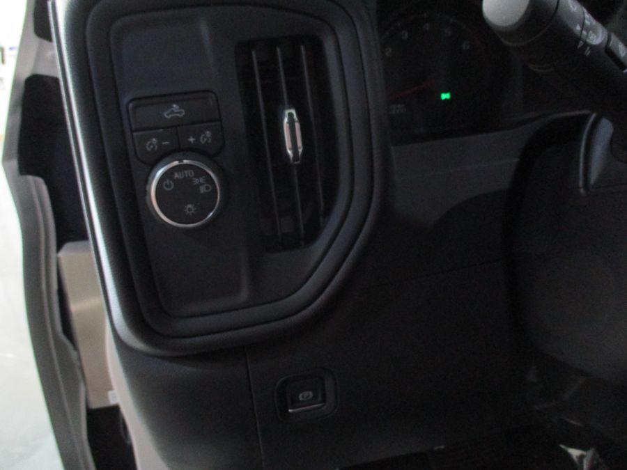 Silver Chevrolet Silverado 1500 image number 3