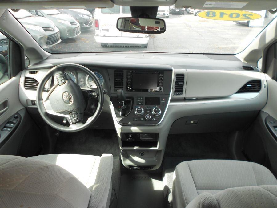 Black Toyota Sienna image number 10