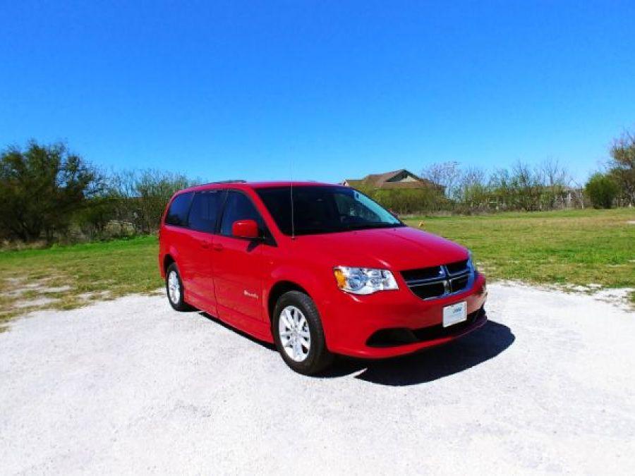 Red Dodge Grand Caravan image number 19