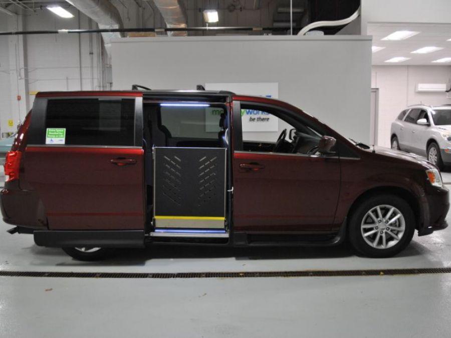 Red Dodge Grand Caravan image number 8