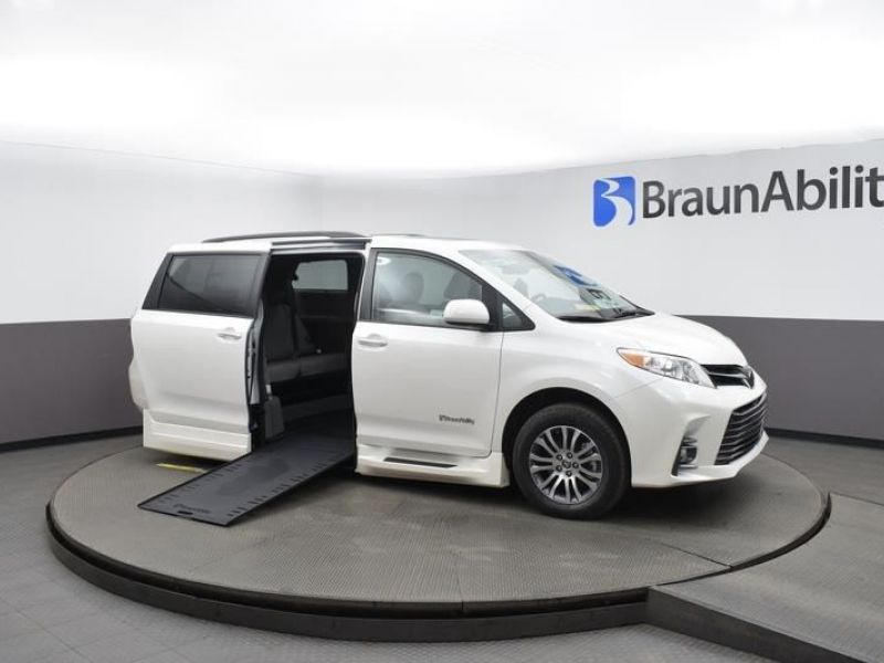 White Toyota Sienna with Side Entry Automatic In Floor ramp