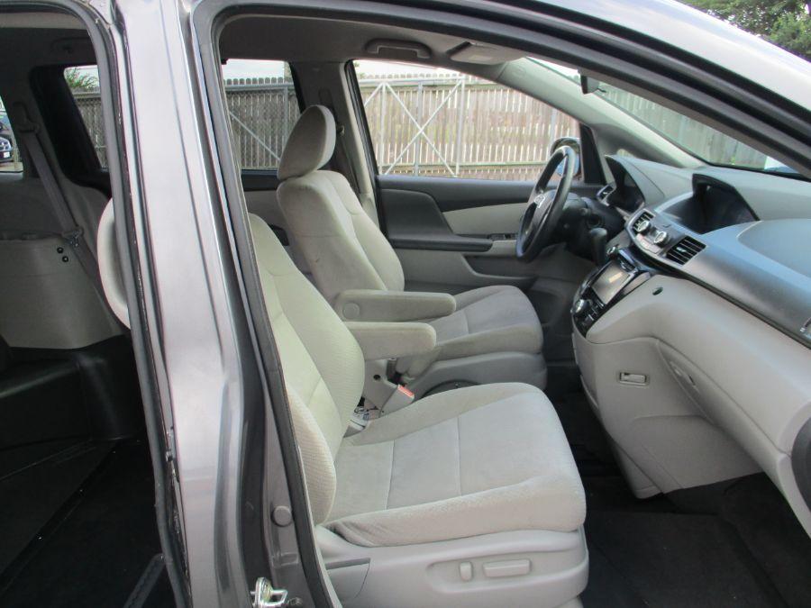 Honda Odyssey image number 11