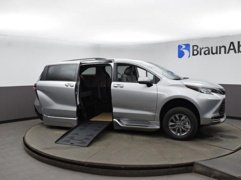 Silver Toyota Sienna with Side Entry Automatic Fold Out ramp