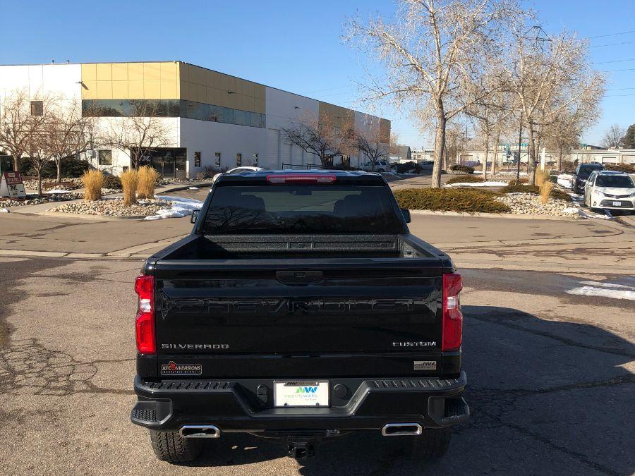 Black Chevrolet Silverado 1500 image number 5