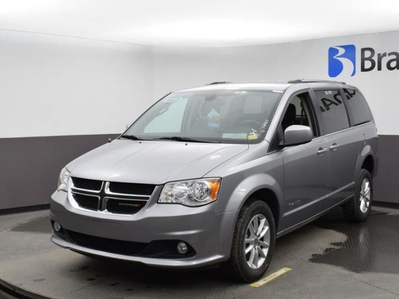 Silver Dodge Grand Caravan image number 15